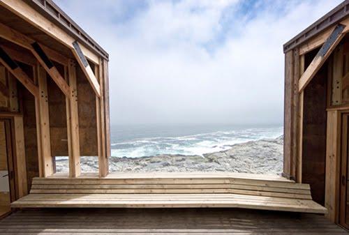 Casa de madera contemporánea, terraza con vista al mar
