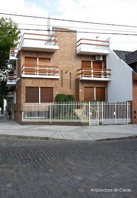 Fachada moderna casa esquina