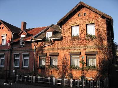 Casa de ladrillos rojos