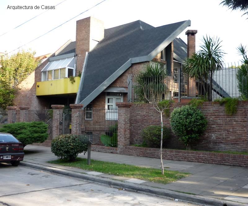 Arquitectura de casas fotos de fachadas de casas urbanas for Tipos de techos de casas