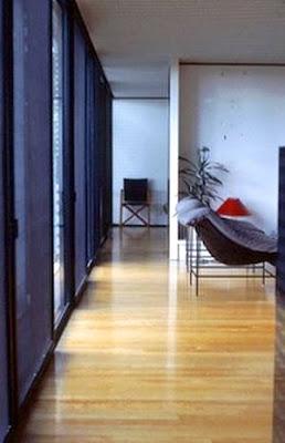Interior de casa puente contemporánea en Australia