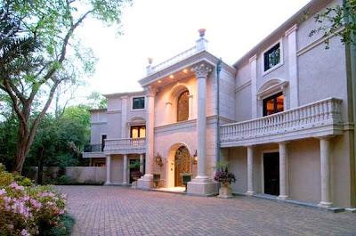 Enorme casa de millonario