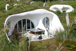Casas con manto de tierra en Suiza