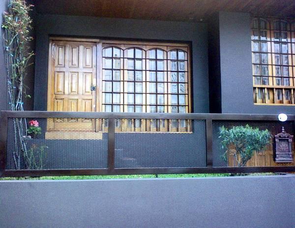Casa pintada de negro