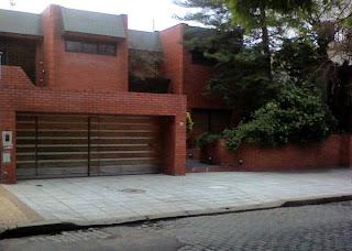 Fachada de una residencia urbana en Ciudad de Buenos Aires
