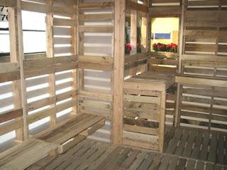 Refugio construido con pallets de madera