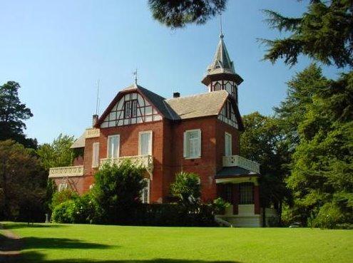 Casa principal de la Estancia El Retiro en Sierra de la Ventana