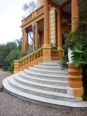 Escalinata posterior
