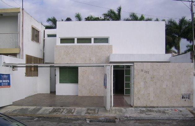 Casa moderna urbana estilo Contemporáneo