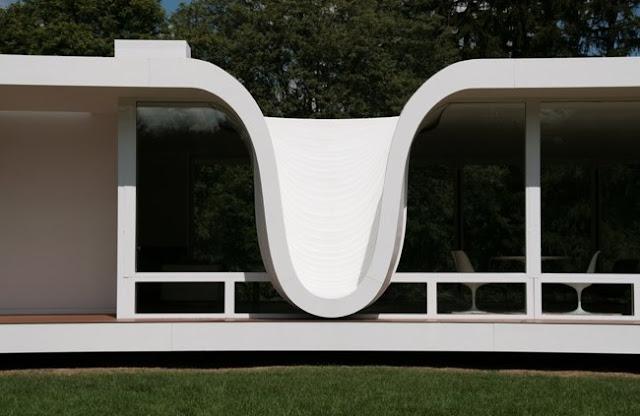 Detalle de un sector original de la casa prefabricada vanguardista american