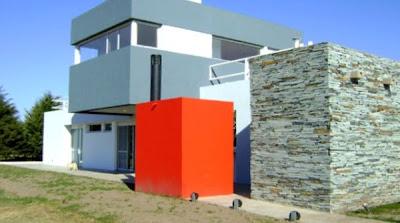 Perspectiva de casa residencial contemporánea en San Luis, Argentina
