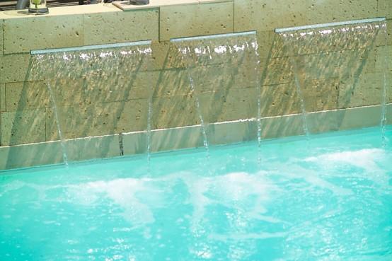 Cascada piscina 3 surtidores