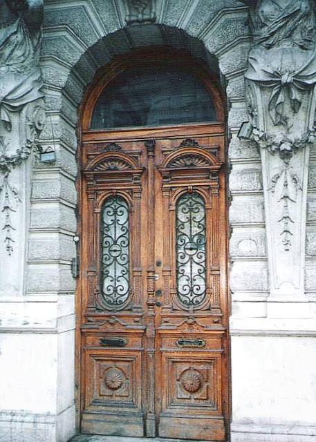 Arquitectura de casas fotos de puertas antiguas de buenos for Imagenes de puertas de madera antiguas