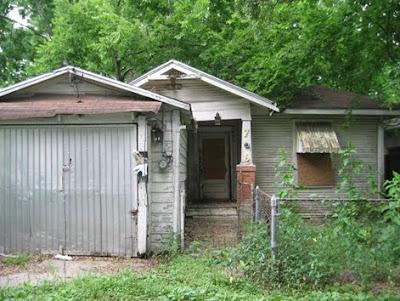 Arquitectura de casas renovaci n de una casa de madera for Renovacion de casas viejas