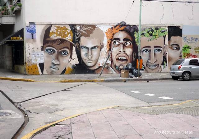 Arte callejero en un muro de Barrio Norte en Buenos Aires