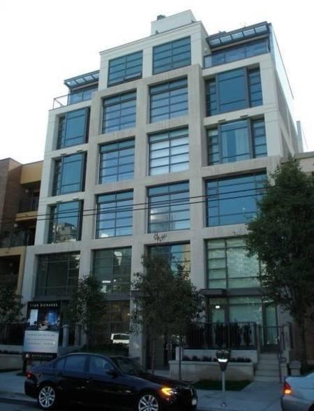 Arquitectura de casas apartamentos con ventanales como for Fachadas apartamentos modernos