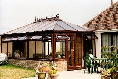 Arquitectura de casas invernadero con pvc en el jard n for Jardines de invierno cerramientos