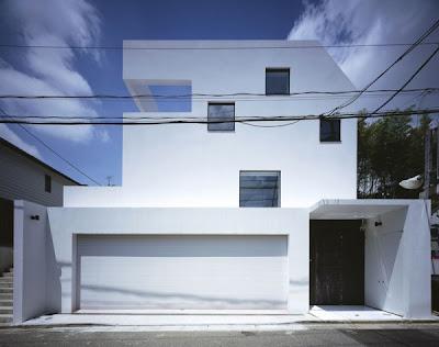 Fachada de la casa moderna japonesa