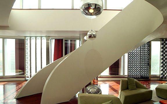 escalera interior estilo moderno