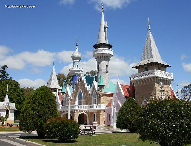 Castillo de fantasía en la República de los Niños