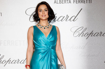 Preity Zinta Ramp Walk Wallpaper