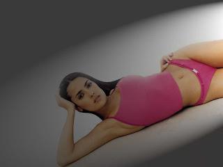Salma Hayek Bikini Wallpaper
