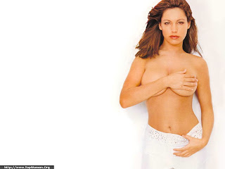 Topless Kelly Brook Wallpaper