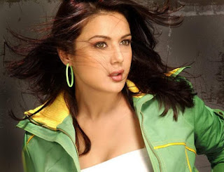 Bollywood Sexy Actress Preity Zinta Wallpaper