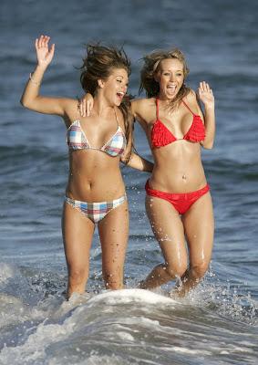Bianca-Gascoigne-Charlotte-Mears-bikini-4-4312.jpg
