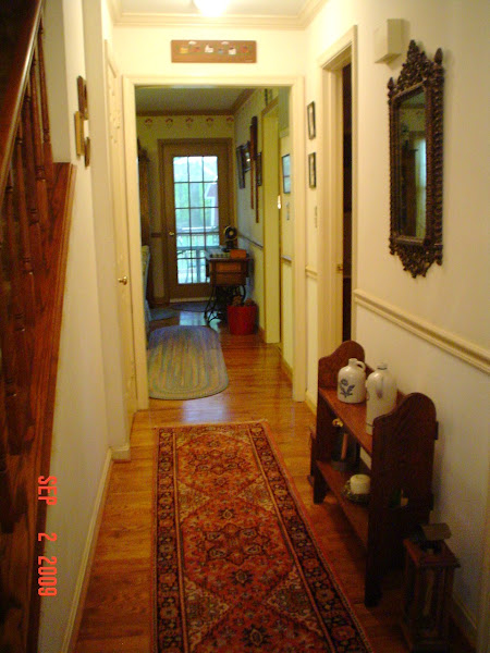 hallway to keeping room