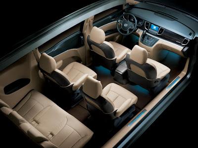 2011 Buick GL8 minivan