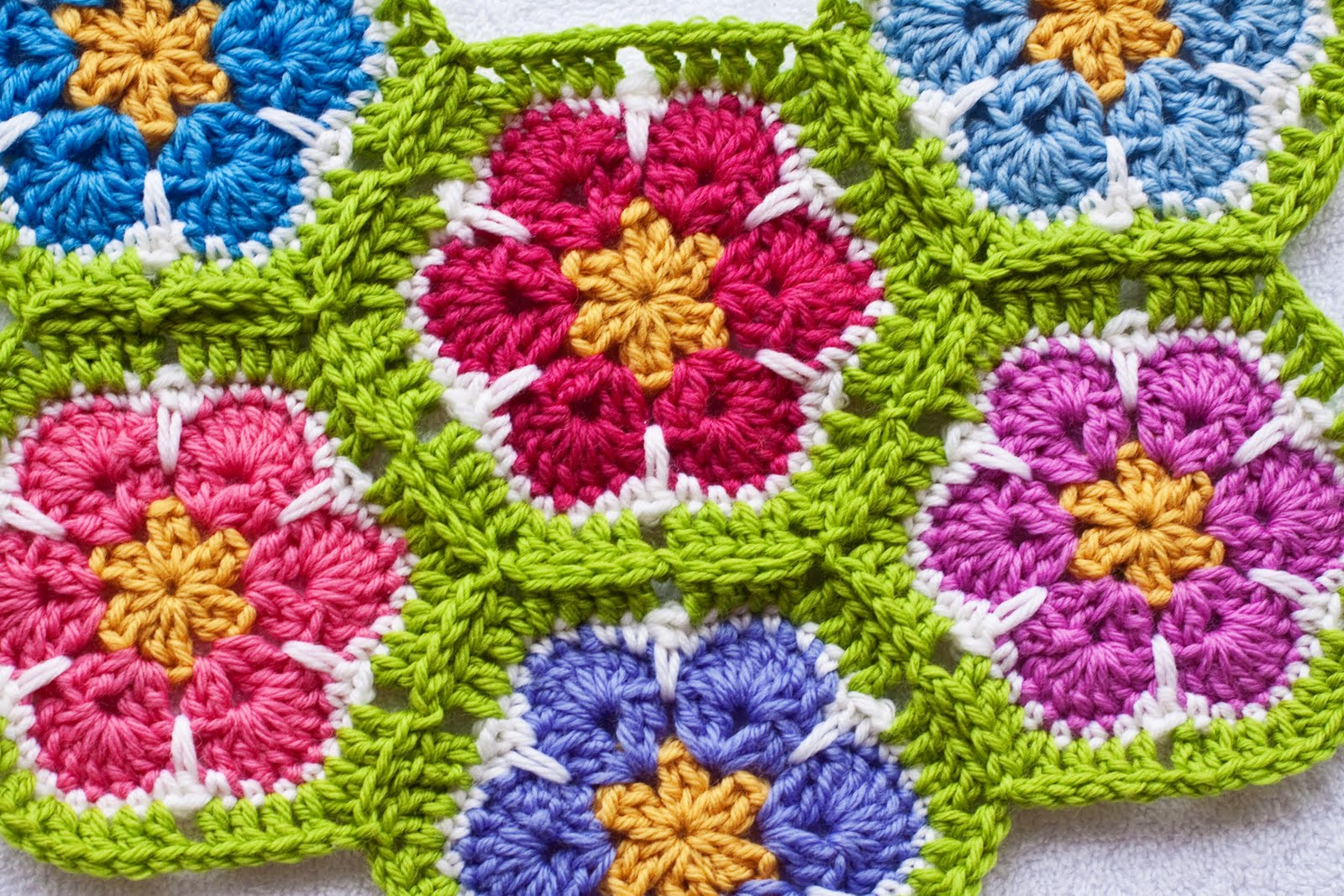 African Flower Hexagon Crochet Pattern Free : .: African Flower