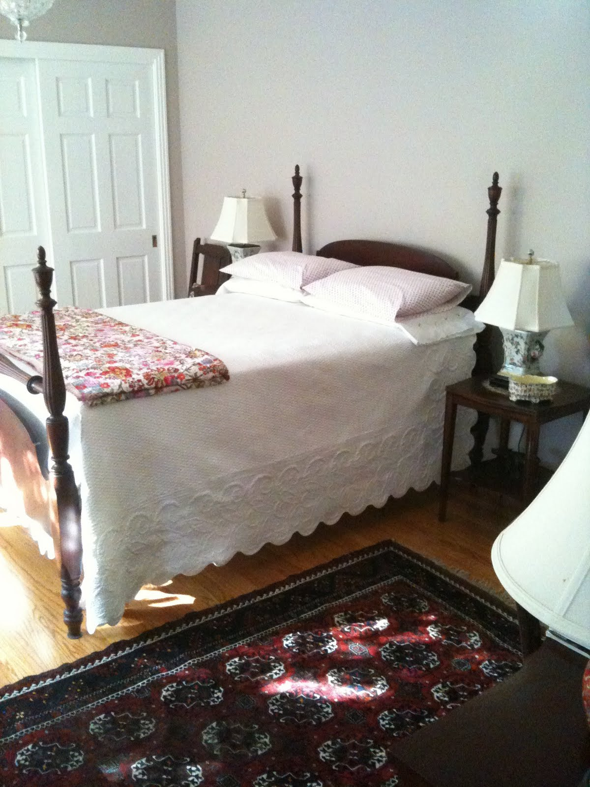 displaying 19 images for haunted old fashioned bedroom