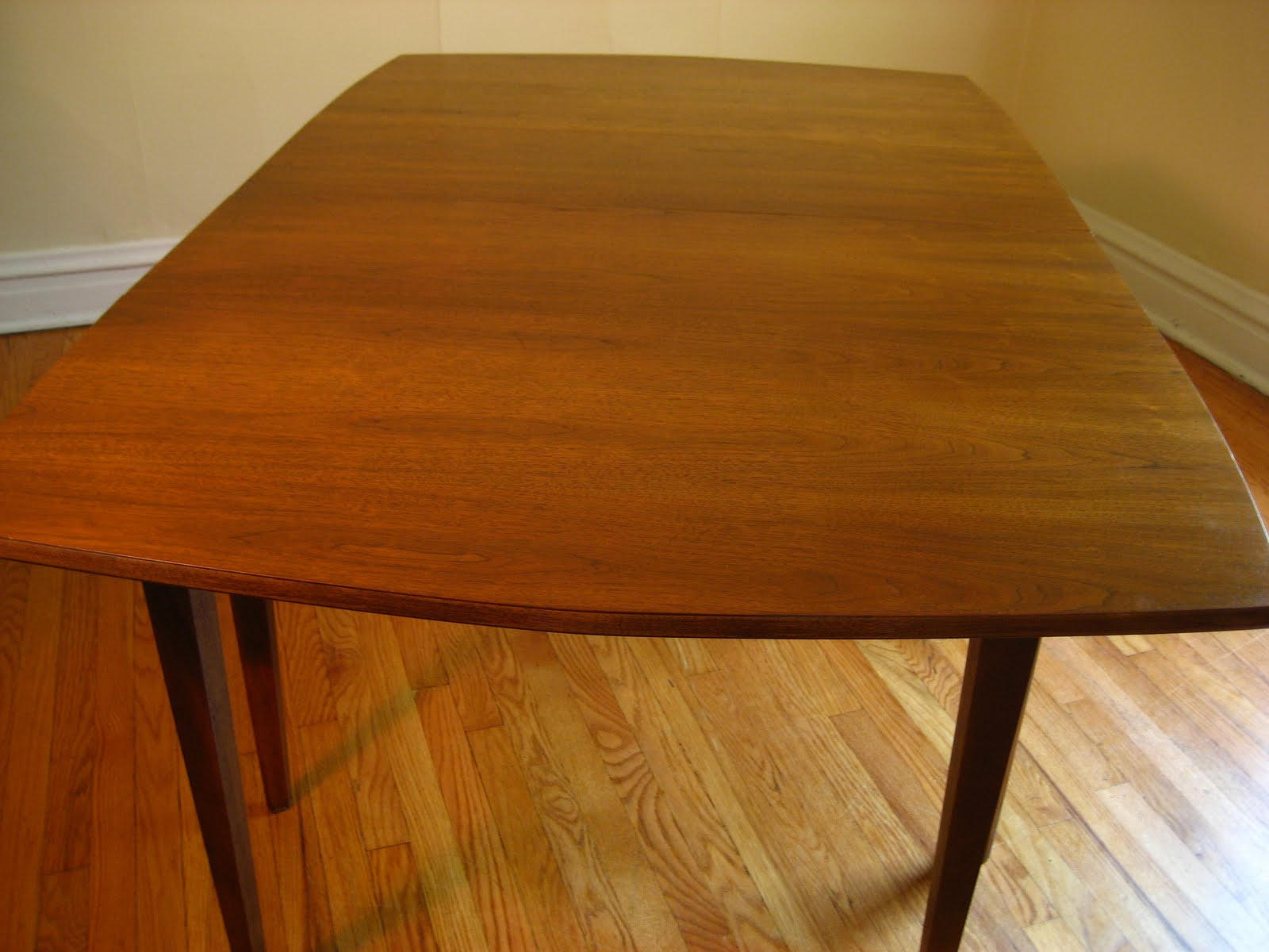 Mid century modern dining table with leaf - Gorgeous Walnut Table Top
