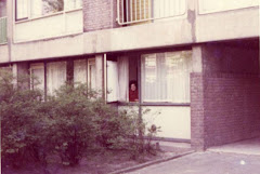 1971,Rotterdam, Holanda,Tininha na janela de casa