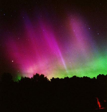 http://1.bp.blogspot.com/_nLJlgi1qPkg/THck8HhjjRI/AAAAAAAAEZI/2-fKLQxDam4/s1600/aurora2.jpg