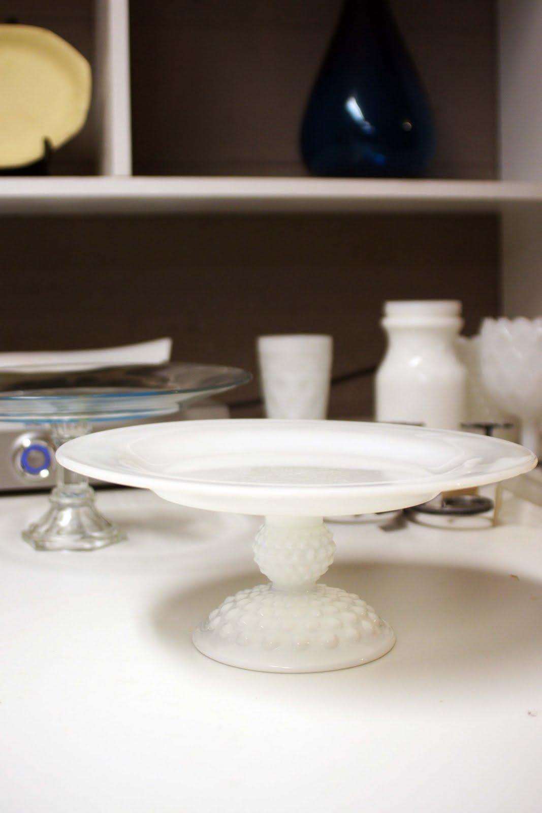 [cake+plates.jpg]