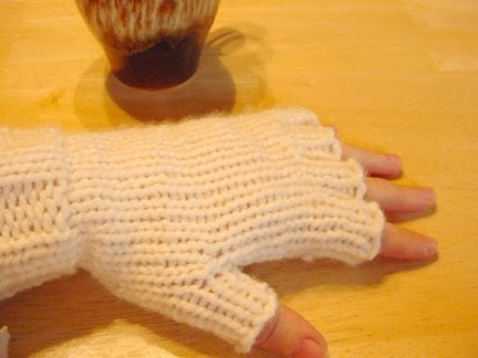 Creative KJs Corner: My New and Improved Loom Knit Gloves ...