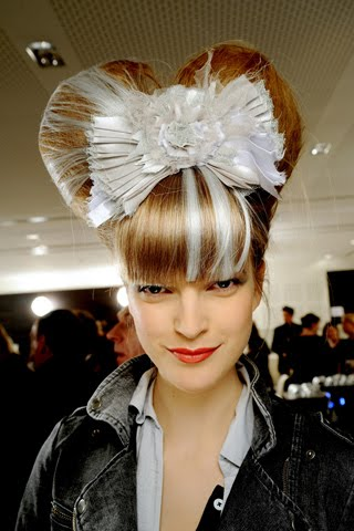 [chanel+couture+2010+beauty+6.jpg]