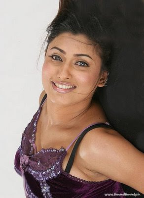 south side sexy actress malavika hot pics-pictures