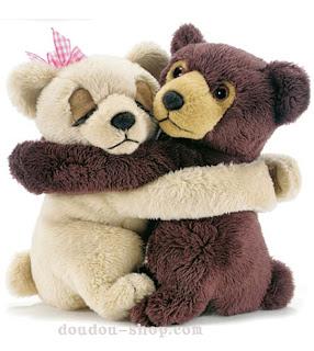 http://1.bp.blogspot.com/_nPurwpW51B4/TUQXcSXzX9I/AAAAAAAAAMc/cocFy8J9aCc/s1600/couple_ours_zoom.jpg