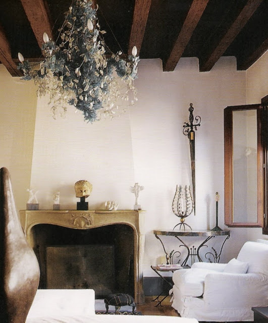Image via La Dolce Vita, Living in Italy by Catherine Fairweather, edited by lb for linenandlavender.net