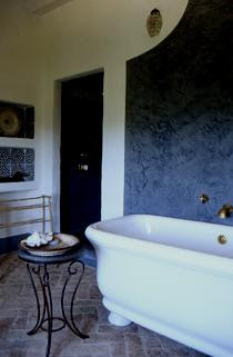 free-standing bathtub, concrete plaster wall treatment edited by lb for linenandlavender.net