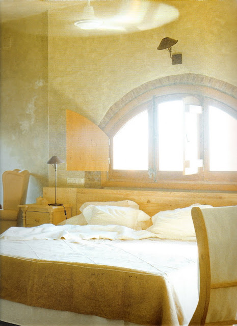 The Hotel Book, Great Escapes Europe, bed, arched window, edited by lb for linenandlavender.net