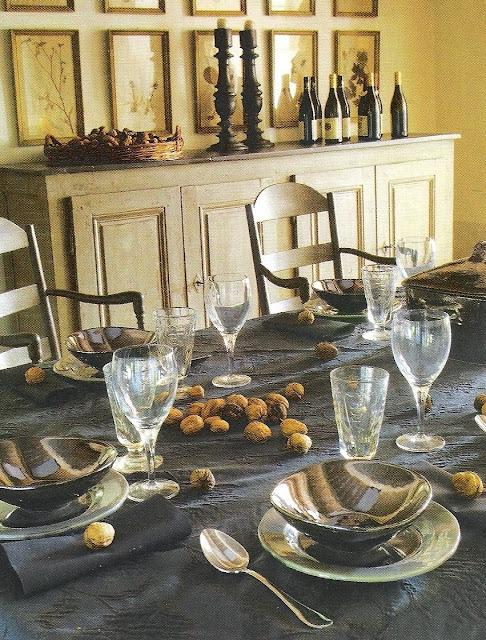 Chestnuts festive table setting image via Maisons Côté  Sud Dec08-Jan09 as seen on linenandlavender.net