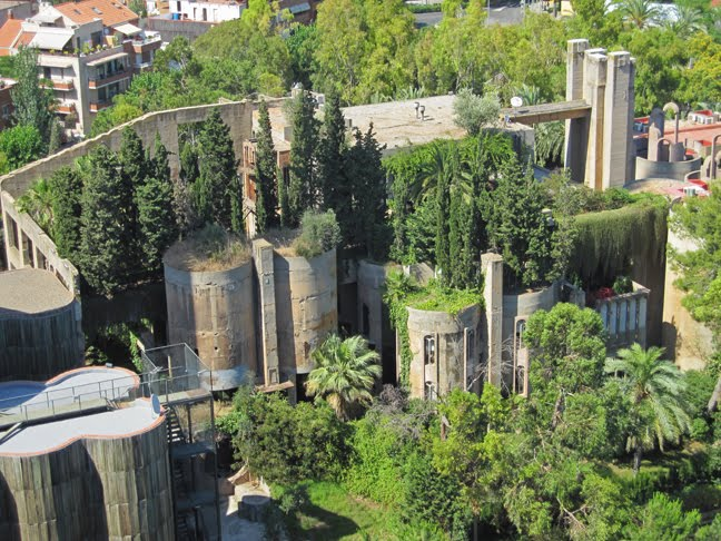 bilinear art consulting: abandoned cement factory transformed into
