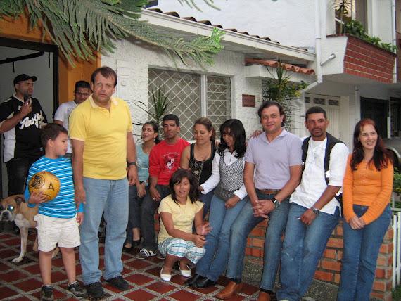 OTROS MOMENTOS DE CALIDAD EN COMPAÑIA DE NUESTRO APOSTOL GUSTAVO EN MEDELLIN.