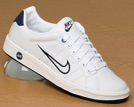 tenis nike court tradition ii mujer
