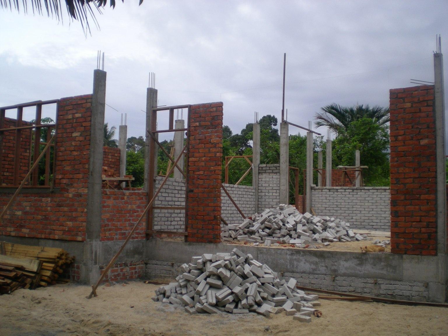 ingin membina rumah kayu atau simen ingin mengubahsuai rumah anda