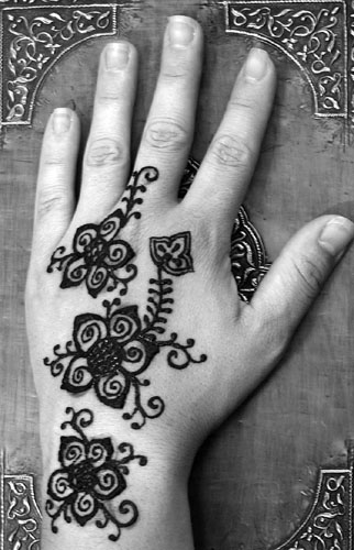 Henna tattoos are one of type of temporary tattoos. Temporary tattoos have